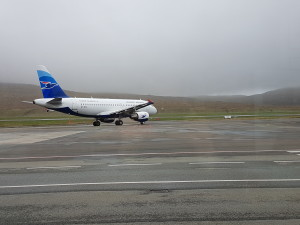 This is Atlantic Airways leaving for Copenhagen. 50.00 people, own government owned airline :)