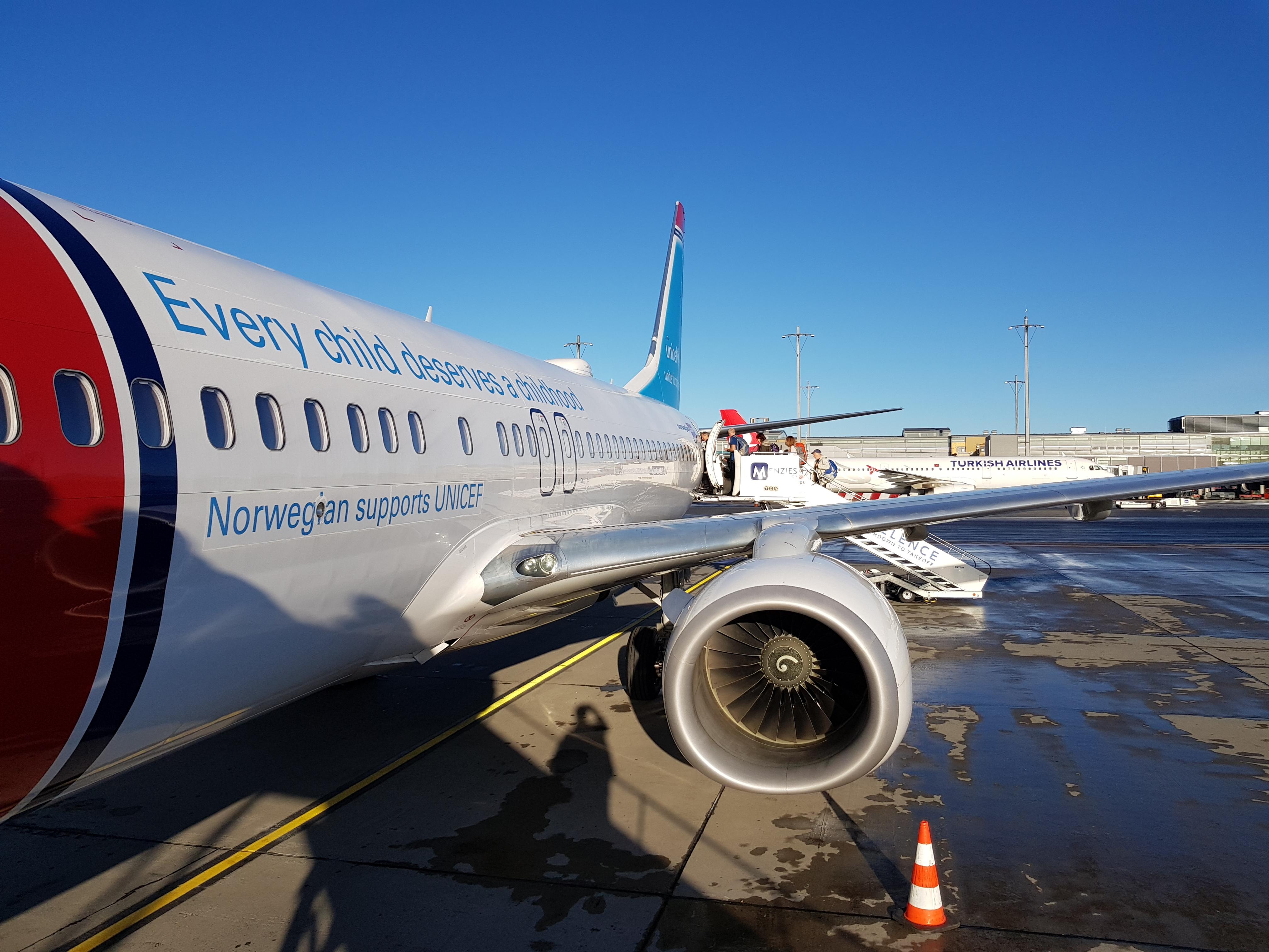 Flight DY1698 to RAK