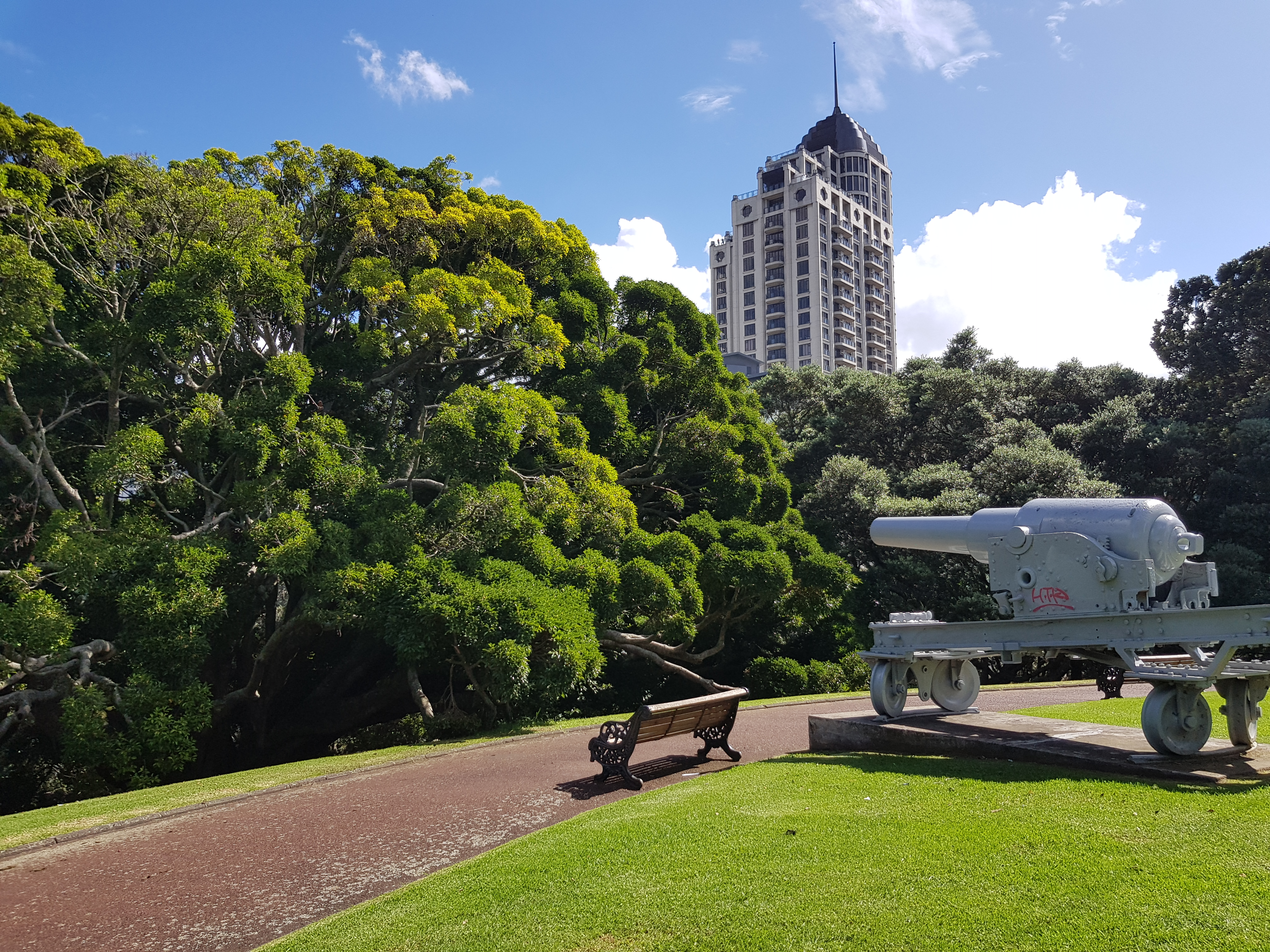 Albert park (and the canons against a Russian invasion^^)
