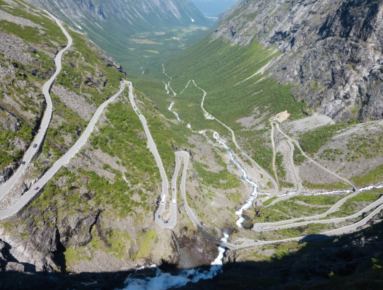 YouTube video - Driving up the Trollstigen in Norway